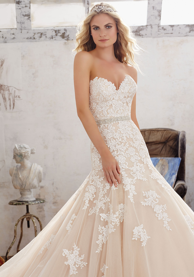 Mori lee 8101 mackenzie wedding dress for Mori lee wedding dresses