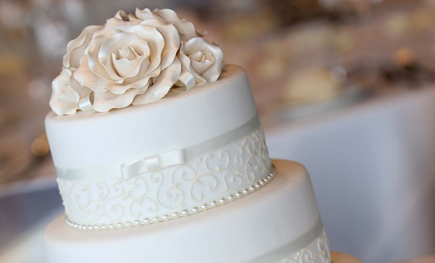 grocery store wedding cakes