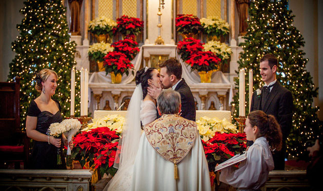 planning a christmas wedding