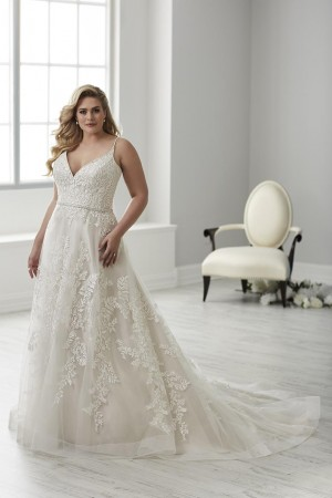 ad8b6df513 Plus Size Wedding Dresses | Long, Short and Tea Lenght Bridal Gowns